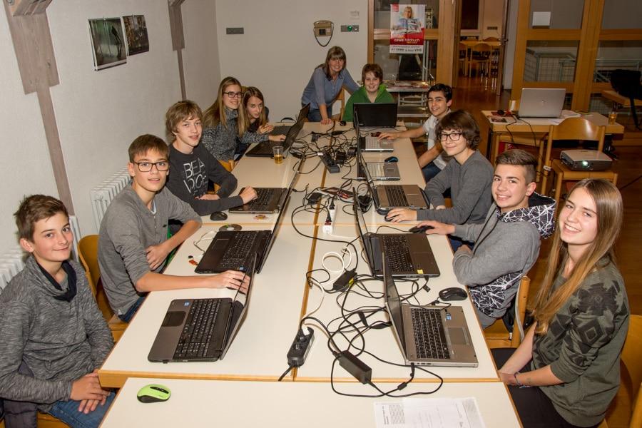 Jugend Fotoclub am 24.11.2016 Thema: Fotobuch