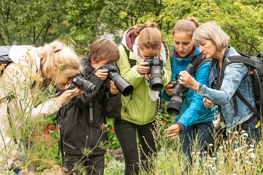 """Jugend Fotoexkursion mit Susanne Kaufmann """"Macros auf der BUGA"""" am 13.07.2019"""