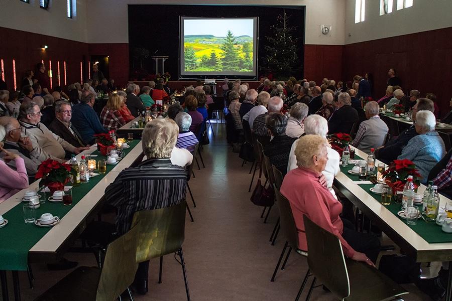 Fotoclub präsentiert sich bei Senioren-Weihnachtsfeier in Sülzbach